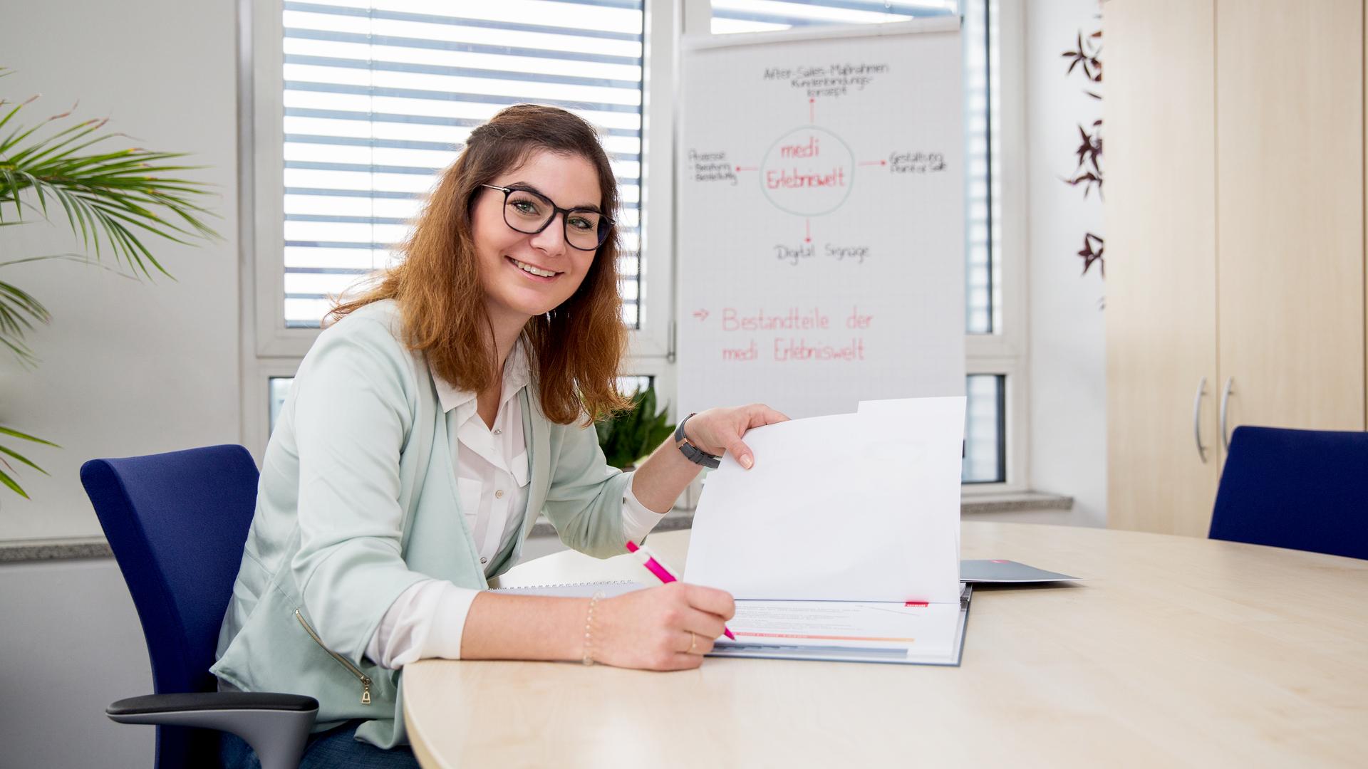 Ausbildung als als Kaufmann /  frau für Marketingkommunikation w ...